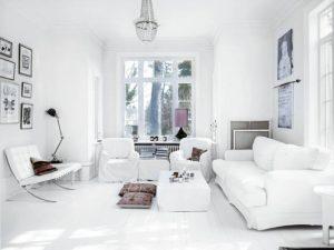 sala de estar totalmente blanca